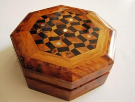 Octagonal Thuya 3-section box decorated Design #1